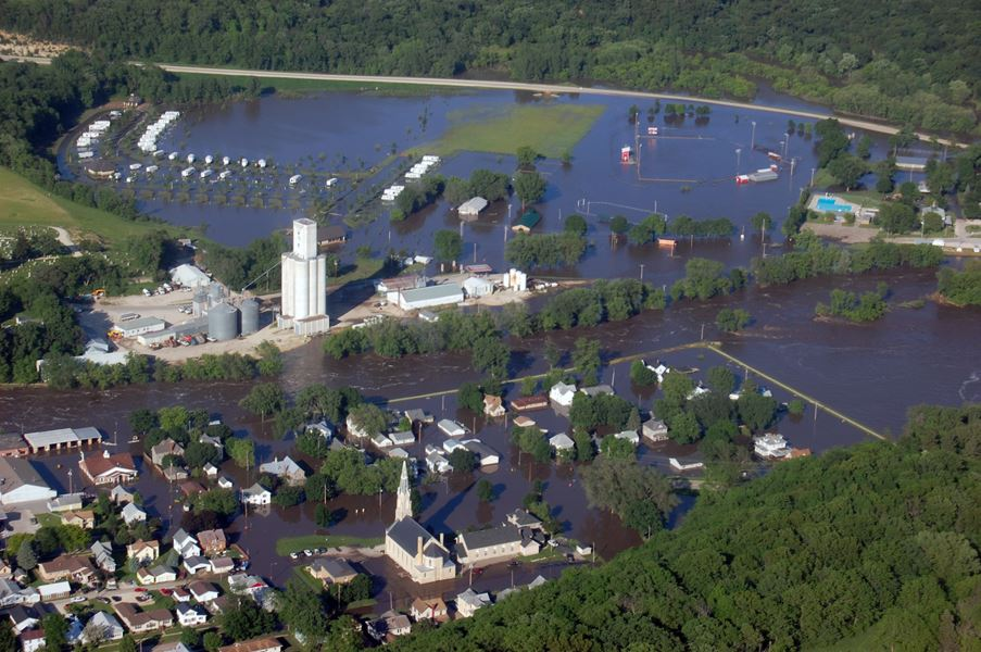 June 2008 Elkader Flood Aerial Shot